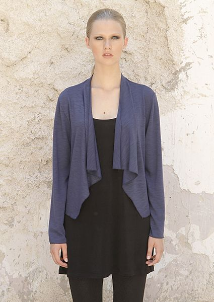 Asymetric jacket from flama with long sleeves perfect for first autumn winter days.