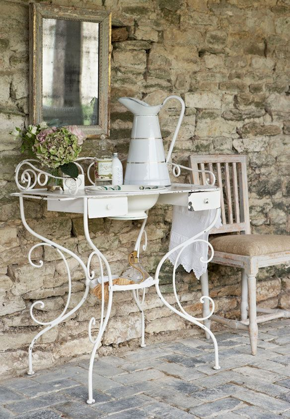 Shabby chic french-style dressing table
