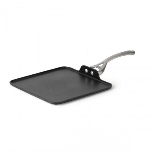 In the mood for pizza, pancakes or French toast? Get the Calphalon Contemporary Nonstick Dishwasher Safe 11-inch Square Griddle, available at the Food Network Store.