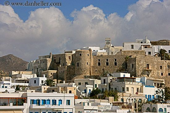 CASTLES OF GREECE | castle-n-town.jpg castles, europe, greece, horizontal, images, naxos ...