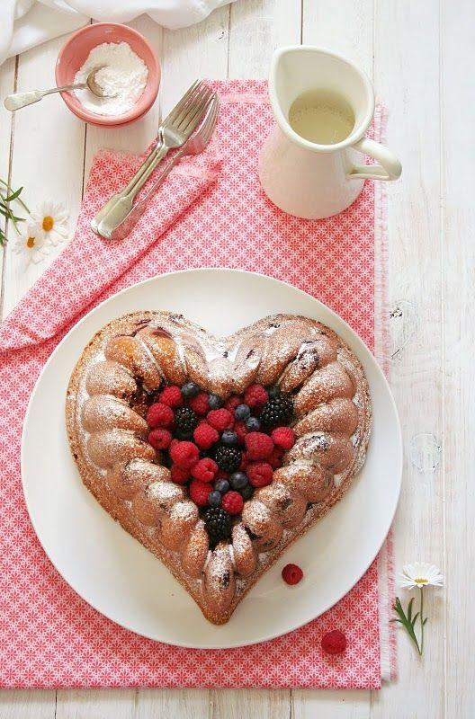 Food and Cook by trotamundos » Bundt Cake de Frutas del Bosque { Mixed Berry Bundt Cake}