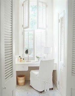 Meble i wyposażenie na weranda.pl! Toaletki: http://www.weranda.pl/archiwum/266-2010-11/13261-toaletka-kobiecy-mebel