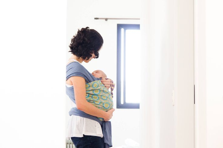 Entenda a criação com apego e como colocá-la em prática - Maternar