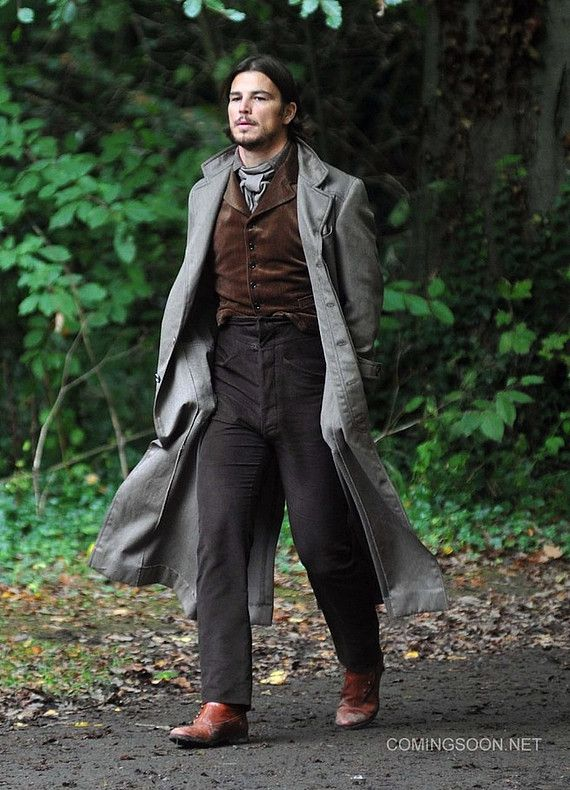 Josh Hartnett on set of Penny Dreadful