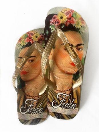 f0edb8da7 La louca Frida Kahlo | La Louca \ La Louca: Compre chinelos personalizados  e customizados | ✿⊰ Frida ⊱✿ Frida Inspired | Shoes, Flip Flops, Shoe art