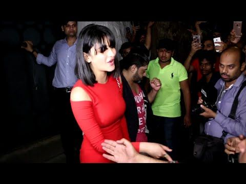 WATCH Shruti Haasan gorgeous in red at Jitesh Pillai's Birthday Party. See the full video at : https://youtu.be/SXca1147wBU #shrutihaasan #bollywoodnewsvilla