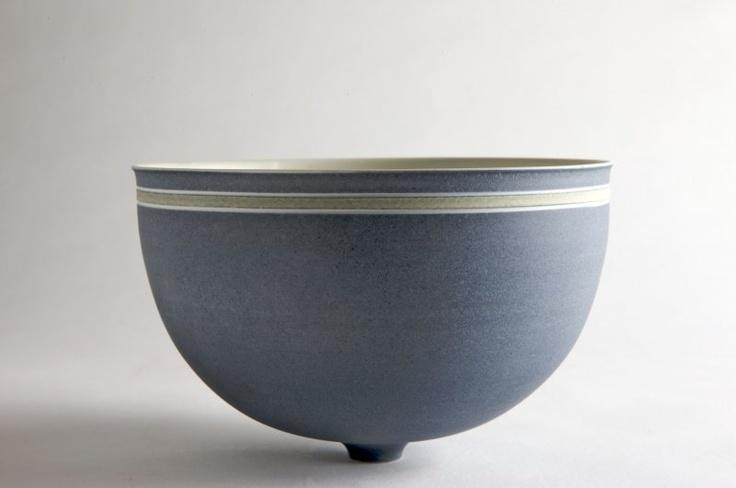 Per Rehfeldt. Bowl in porcelain, own studio Gudhjem, Bornholm, Denmark. In the collection of Bornholms Kunstmuseum (museum of art, Bornholm) Foto: Simon Lautrop.