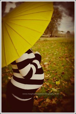 I'll bring my pink parasol which is perfect cause its a girl!! :-D  outdoor pregnancy pictures - Bing Images