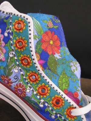 Sharpie Art on Converse All Star tennis shoes. Had a crazy dream last night about something like this......
