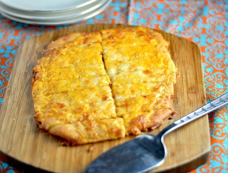 Een lekker koolhydraatarm voorgerecht of snack, een koolhydraatarm kaasbroodje. Het kaasbroodje is heerlijk om zo als snack tussendoor te eten, maar ook lekker als een heuse traktatie voor bij de borrel.