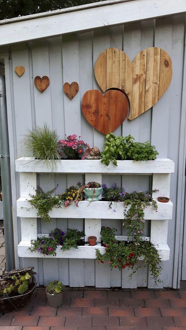 Dekorieren Sie den Garten mit Ornamenten aus Paletten – 19 Ideen für rustikale Dekorationen