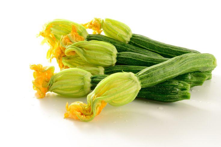 La fleur de courgette est parfaitement comestible mais dispose d'une plus-value gustative assez faible. Cependant, elle forme une excellente base pour des beignets par exemple.