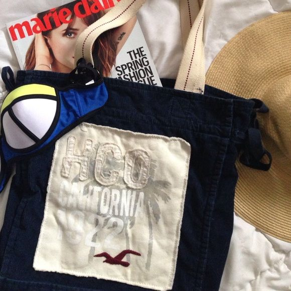 Hollister Tote Bag Still in perfect condition!  Thick tote that can be used as a beach bag, overnight bag, etc. Hollister Bags Totes