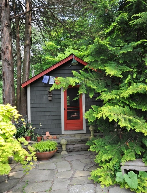 98 best images about pretty garden sheds on pinterest for Very small garden sheds