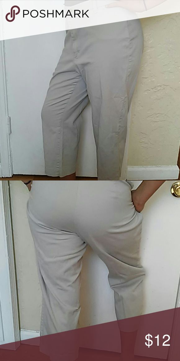 Stretch Riders size 16 m khaki capri The stretch Riders are size 16 medium khaki capris they are in excellent condition they will be ironed and ready to wear when you receive them Lee riders Pants Capris