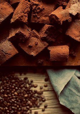 Recept brownies (12 st.) DIY | doe het zelf  Fantastisch lekkere brownies, met een intense chocoladesmaak. Voor de chocoholics! www.twoonhuis.nl
