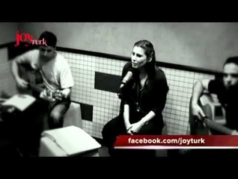 Funda Arar - İstanbul İstanbul Olalı (JoyTurk Akustik)