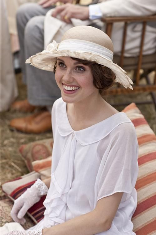 Madeleine Allsopp's picnic attire from Downton Abbey--  I really enjoyed Madeleine's character. I hope we see more of her in Season 5.