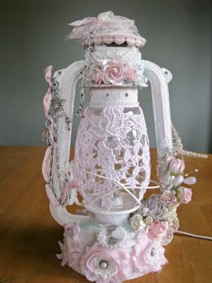 Lavish Lanterns: GORGEOUS Repurposed Lantern Tutorial ~ I thought I had lost this post; oh, so happy to have found it and share it with you. This woman is seriously talented.