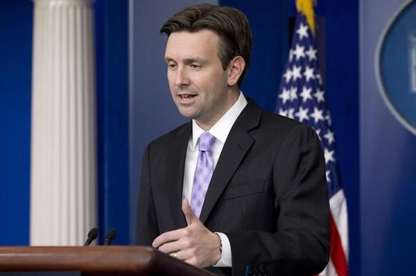 LOL!! OBAMA MOUTHPIECE Josh Earnest Tells TheBlaze How Obama Admin. Has Made 'Historic Progress' on Federal Deficit as National Debt Passes $18 Trillion