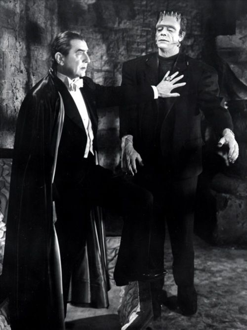 666munster:  Dracula is like PLEASE BITCH I GOT DIS