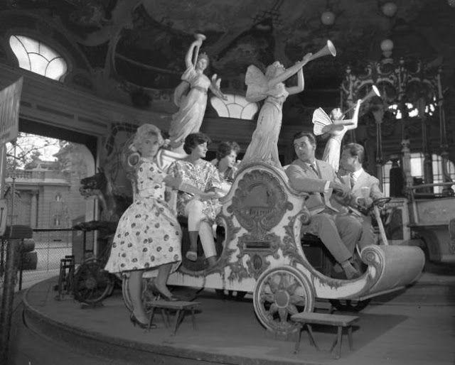 Budapest anno: több, mint nosztalgia...: Ilyen volt... a Vidám Park - Körhinta, 1960-as évek
