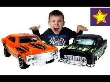 Hot Wheels машинки Распаковка машинок Хот Вилс Car toys for kids http://video-kid.com/21270-hot-wheels-mashinki-raspakovka-mashinok-hot-vils-car-toys-for-kids.html  Привет, ребята! В этой серии Игорюша открывает машинки Hot Wheels. Это три разные машинки. Испытываем машинки с Монстр Траком и спускаем с трамплина.******************************************************Спасибо большое за просмотр, нашего канала!Thanks а lot for watching our…