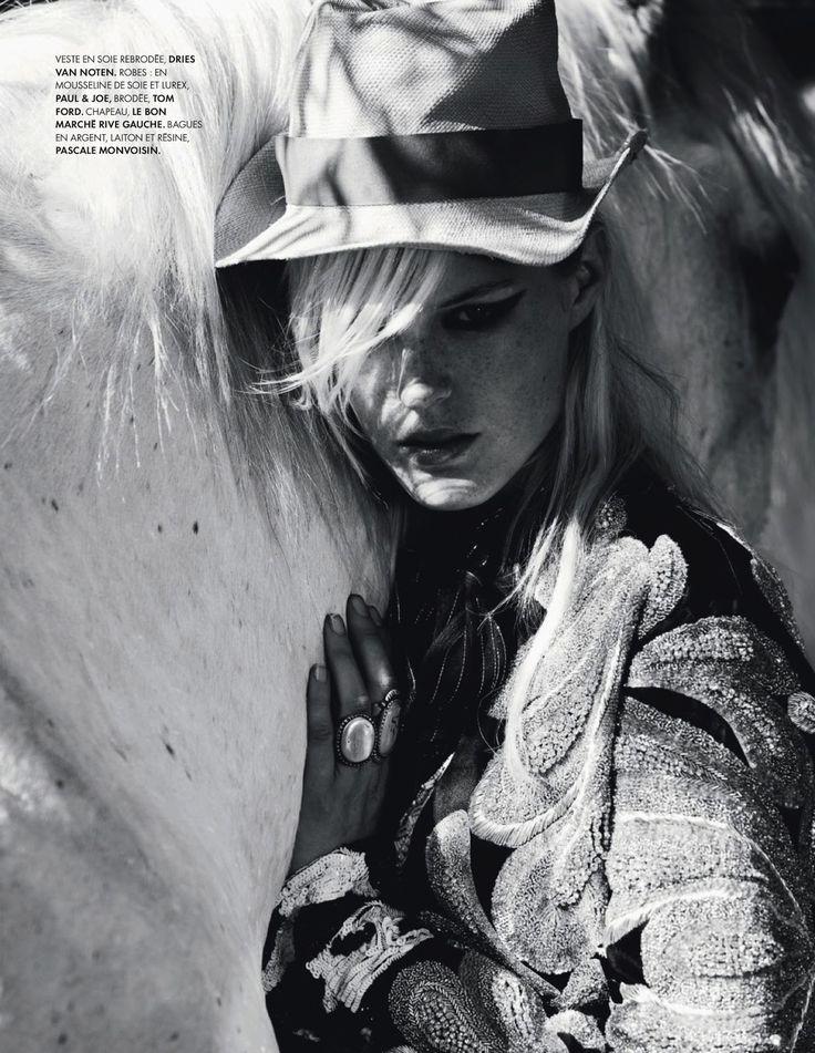 www.pegasebuzz.com | The horse fashion : Linnea Regnander by Cécile Bortoletti for ELLE France, august 2013