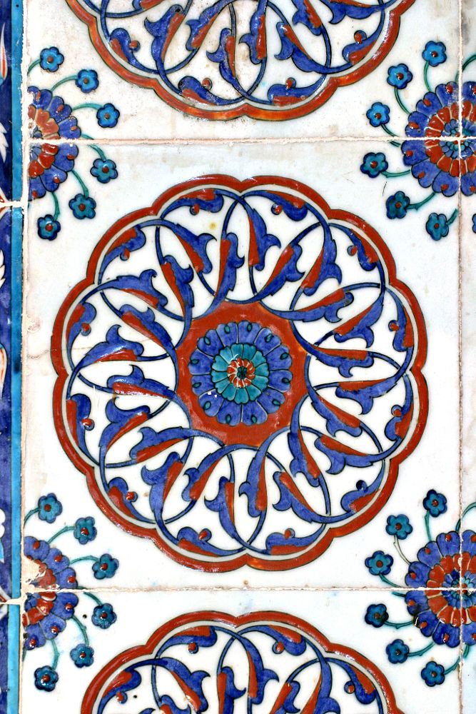 Turkish tile, Rustem Pasa Mosque by Ihsan Gercelman on 500px -------Istanbul, Turkey
