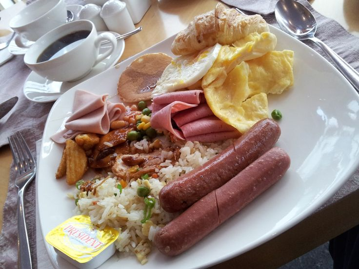 Egg, Butter, Sausages, Biscuits, Bread, Puff Pastry, Vegetable  Rice, Grilled Chicken, Coffee Cup, Breakfast  image at  mypixa