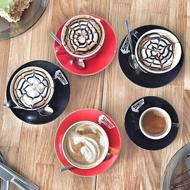 【btlkrkss】さんのInstagramをピンしています。 《Çok güzel bir gündü gençler (olgunluğunuzu kabullendim artık küçük değilsiniz 😂) 🙌🏻💓 . . #photooftheday#vscocam#lifestyle#f52grams#lifestyle#coffeeoftheday#coffeeaddict#thelittlethings#_vscogood_#nothingisordinary#coffeetime#friends#love#instamood#likesforlikes#vscostyle #vscobest #bestoftheday #instagrameverywhere #vscophile #vscodaily #liveauthentic  #تصويري  #桜》