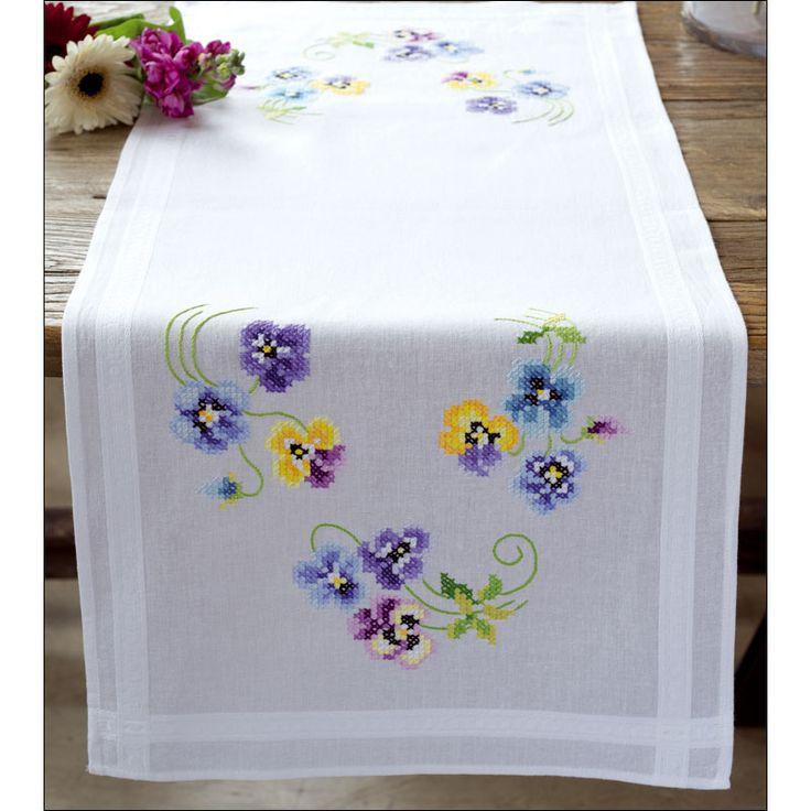 Chemin de table imprimé Les plus belles violettes à broder au point de croix