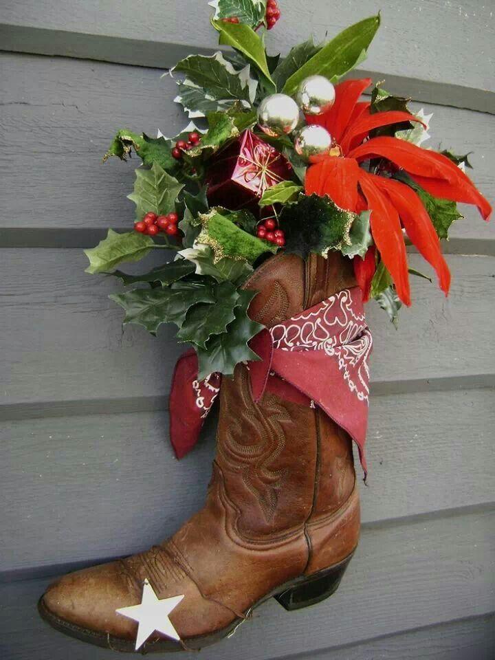 Cowboy wreath crafts pinterest cowboys wreath for Christmas decoration 94