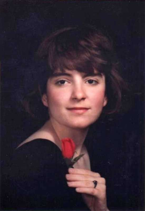 Young Tina Fey in her high school yearbook photo.