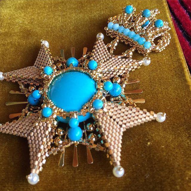 🎖#beads #accessory #brooch #turkoise #gold #handmade #jewelry #beadedart #bysvetlana