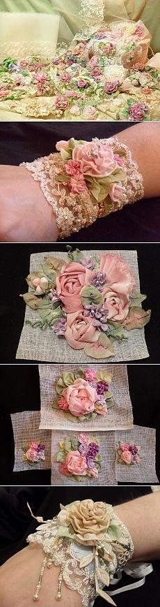 Цветы из лент в винтажном стиле.