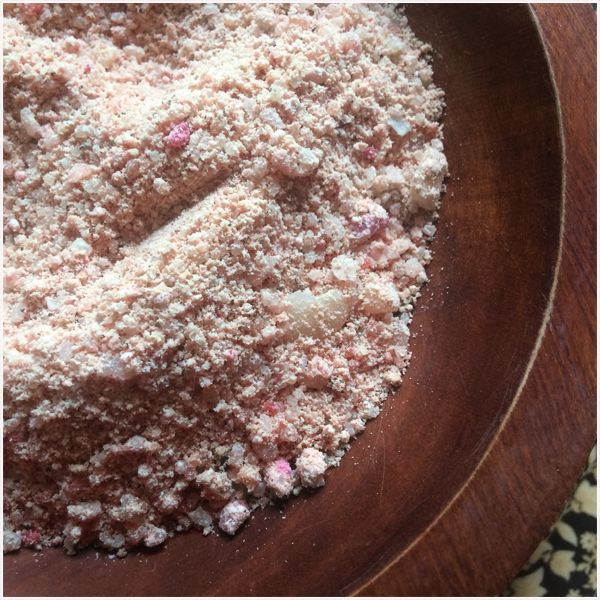 Aromatherapy Bath Salts (Vanilla Rose) a classic blend of nostalgic scents.