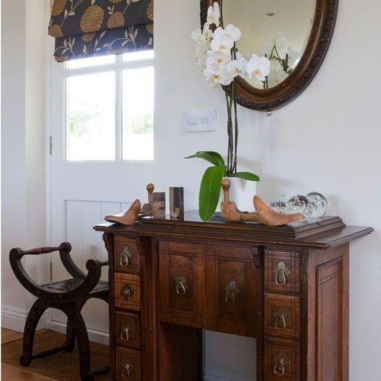 Display your antiques | 10 space-saving hallway ideas | Hallways | Decorating ideas | Hallway design | PHOTO GALLERY | Housetohome