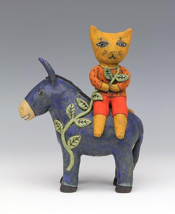 Die Keramik Skulpturen sind ein Werk von Alberto Bustos