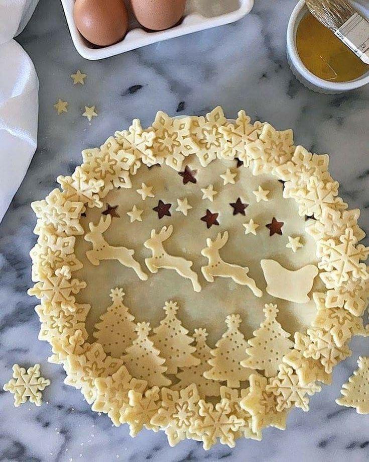 Christmas pie crust sleigh