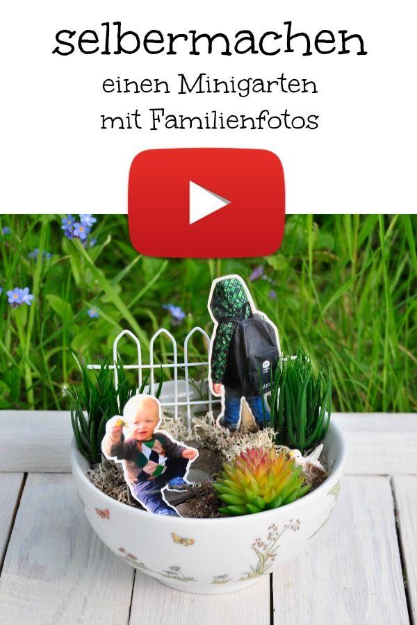 Minigärten sind in! Ich zeige euch in meinem Video wie man sie ganz einfach gestalten kann und sogar eine ganz persönliche Note mit Familienfotos hinzufügt.