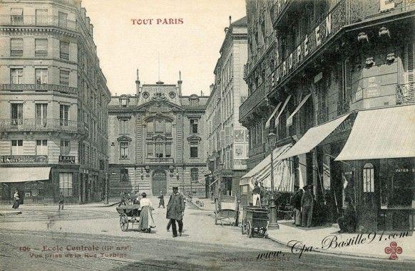 Paris 3e - Rue Montgolfier : Ecole Centrale, vue de la rue Turbigo -