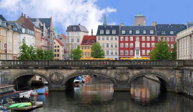 Copenhagen Tour: Small-Group City Walking Tour    Discover the rich cultural tapestry of Copenhagen on a 3-hour walking tour of the city's most prominent sigh... Get more information about the Copenhagen Tour: Small-Group City Walking Tour on Hostelman.com #event #Denmark #culture #travel #destinations #tips #packing #ideas #budget #trips