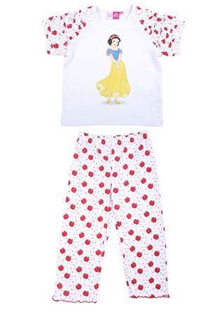 Pijama para niña en color blanco con estampado de Blanca Nieves. Top con mangas cortas y pantalón con cintura elastizada.