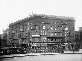 Berlin - Potsdamer Strasse Ecke Schoeneberger Ufer an der Potsdamer Bruecke,Geschaeftshaus 1920