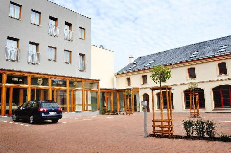 Hotel Lev - Lovosice www.hotel-lev.cz Hotel 4*