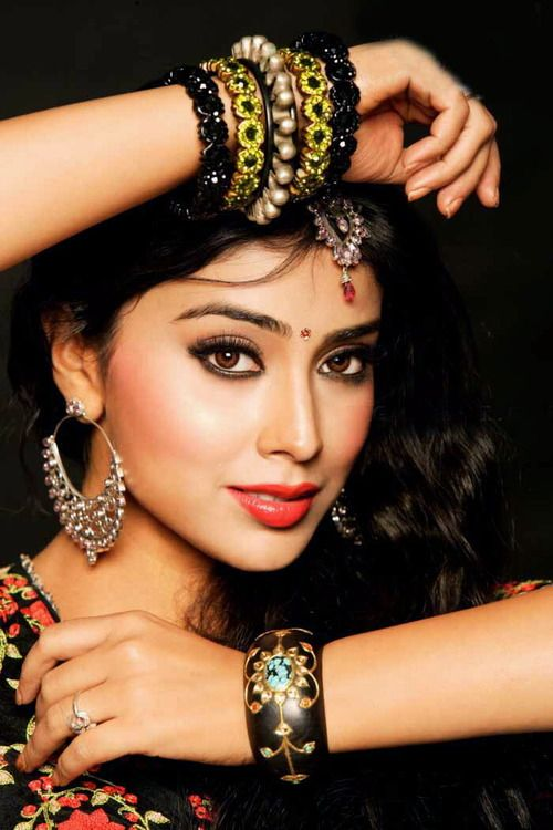 Indian woman   (Shriya Saran ) beautiful bracelets, eyes