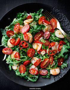 Pan fried garlic shrimp, cherry tomatoes, chili and rocket salad
