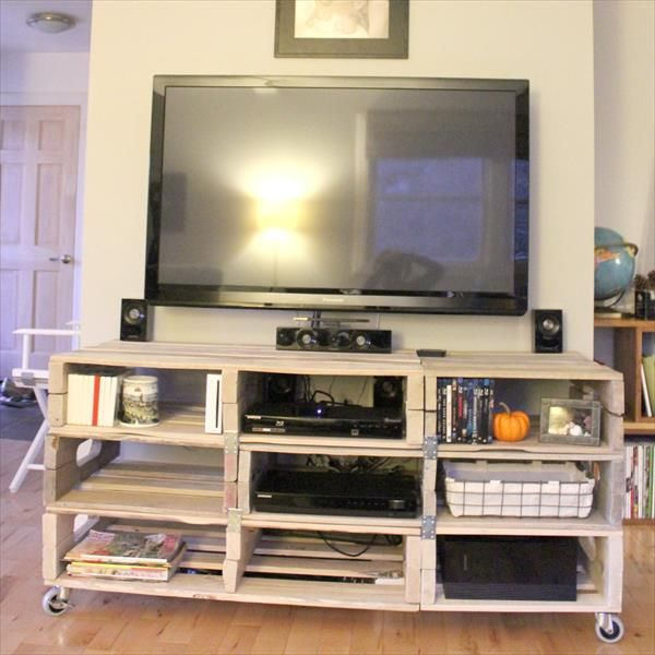 In this project we discuss about the entertainment wooden pallet TV rack and we learn the different ideas about this project which we shown you in the pictures.