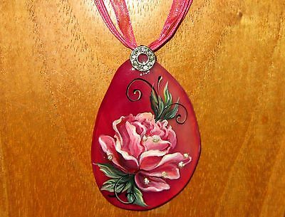 Russian-UNIQUE-natural-stone-hand-painted-PINK-ROSE-with-Golden-drops-pendant